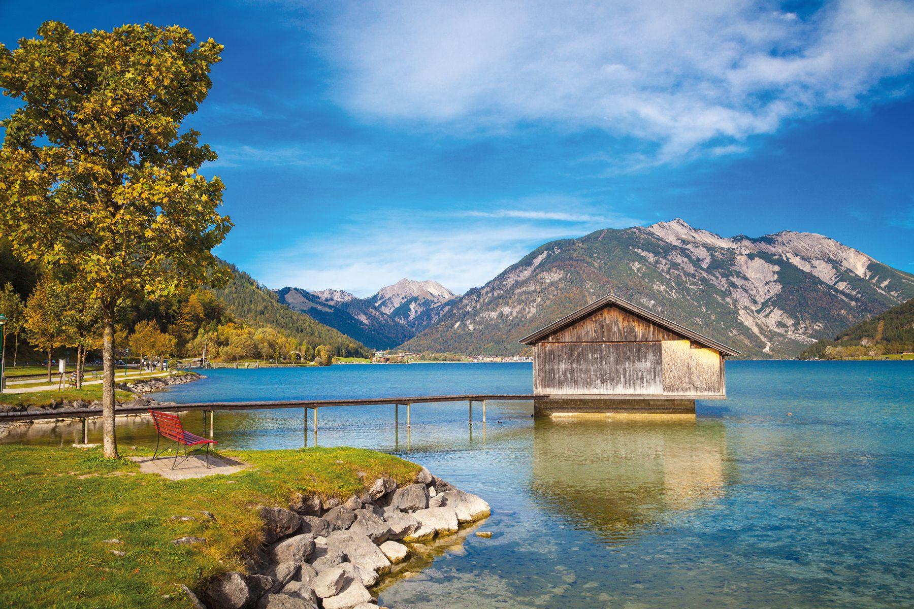 Achensee Bootshaus iStock491656622 web