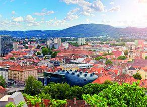 Graz Blick auf Kunsthaus iStock494521929