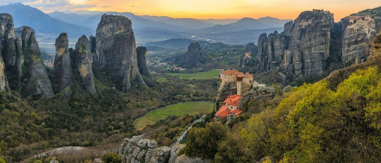 Kalambaka Meteora Kloster iStock666660940 web